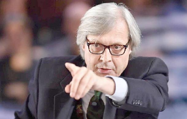 """Vittorio Sgarbi: """"Ho fatto l'amore con Eva Grimaldi in Parlamento"""""""