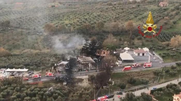 Esplode autocisterna a Rieti: 2 morti e 17 feriti