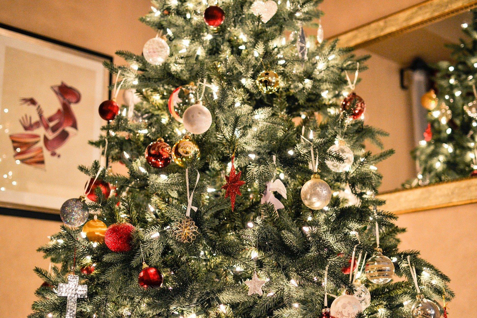 Come scegliere le decorazioni dell'albero di Natale