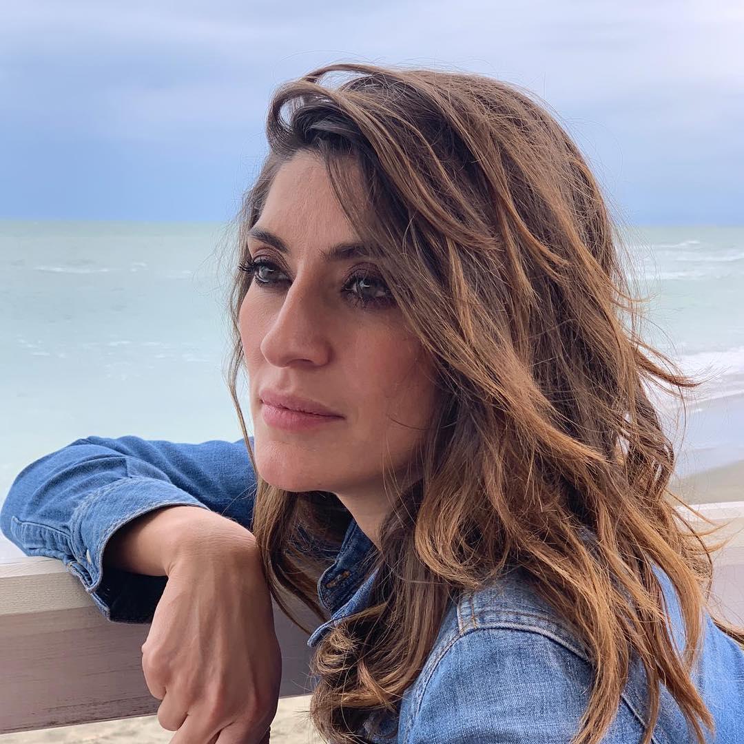 Bufera su Elisa Isaordi: su Instagram una foto 'ritoccata' con Sandro Mayer