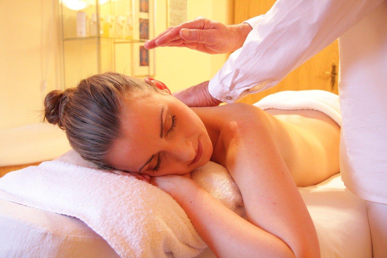 Hot Stone: il massaggio da provare se soffri d'insonnia