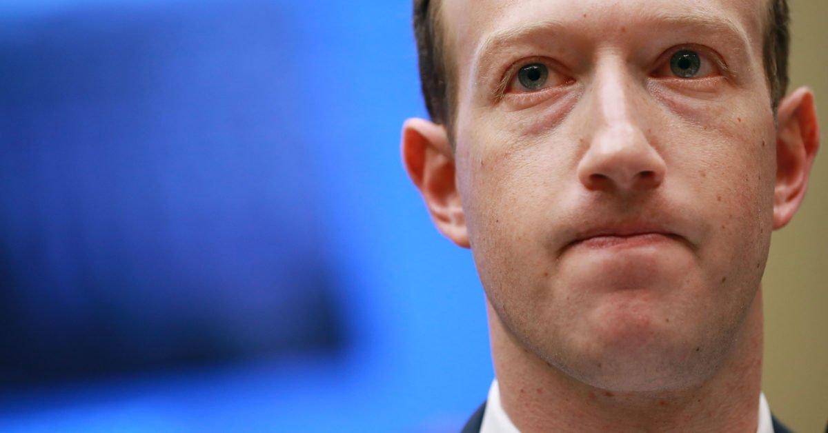 Nuovi guai per Facebook: condivise 7 milioni di foto private