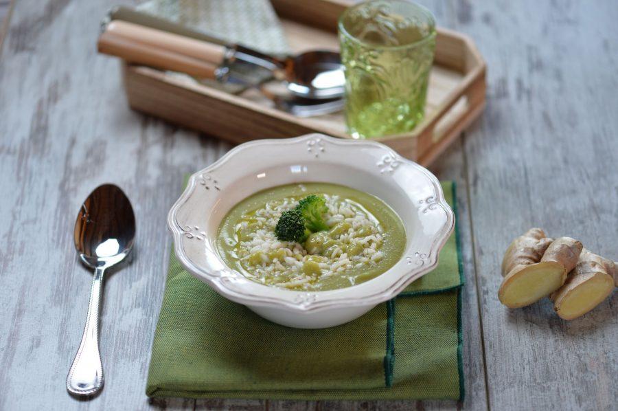 Zuppa di broccoli e zenzero