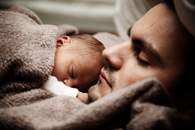carezze-ai-neonati