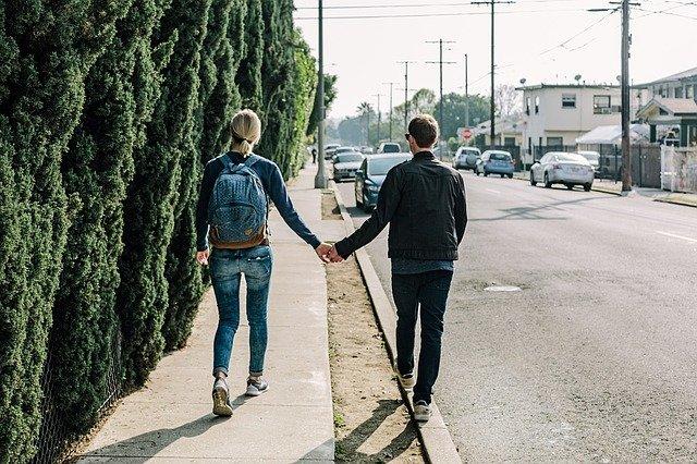 Coppie lat: cosa sono e come funzionano queste relazioni