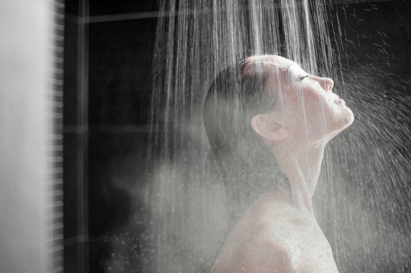 Scoperta shock: filmata nella doccia della sua camera d'albergo