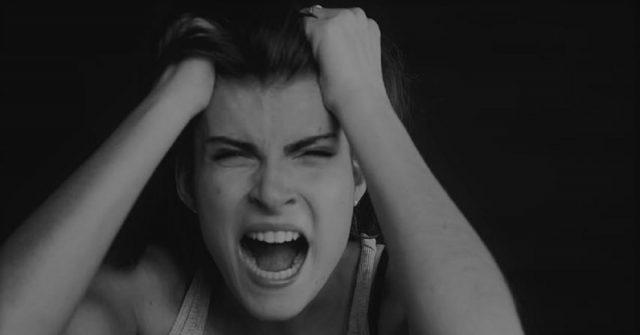 le-persone-che-si-lamentano-sempre-fanno-male-al-cervello