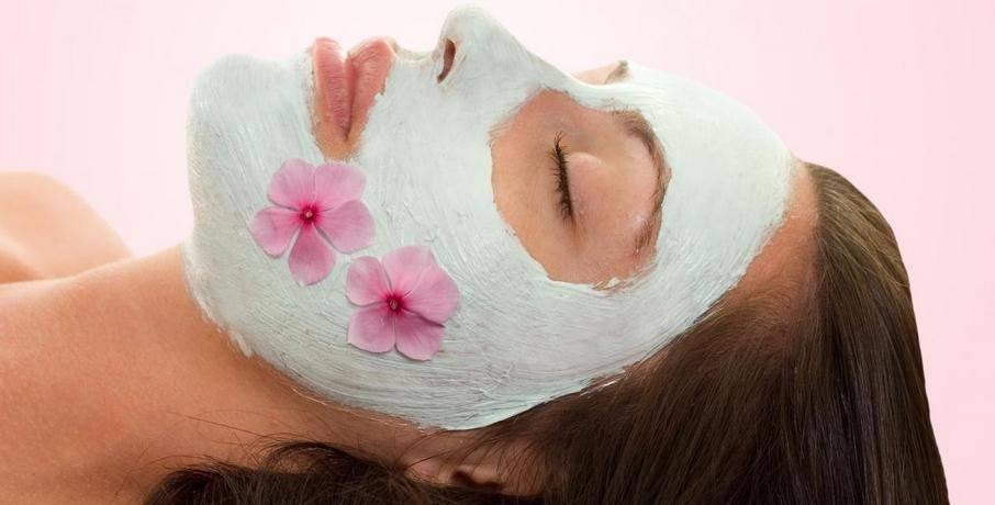 Maschera viso fai da te idratante: quattro ricette