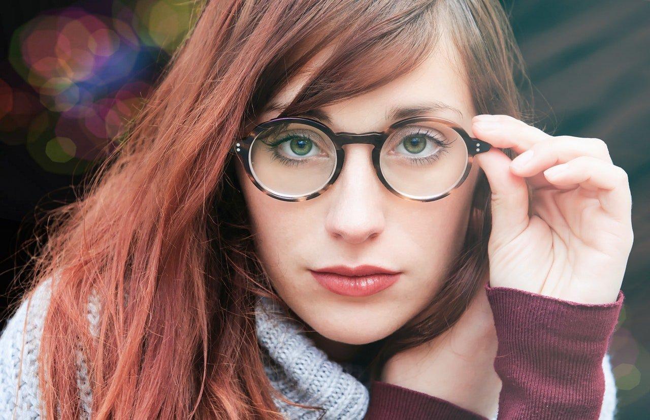 Trucco per chi porta gli occhiali da miope