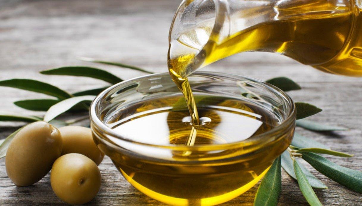 olio-extravergine-doliva- cura- corpo- pelle-