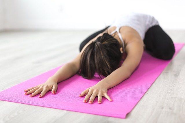 stretching-dolori-mestruali