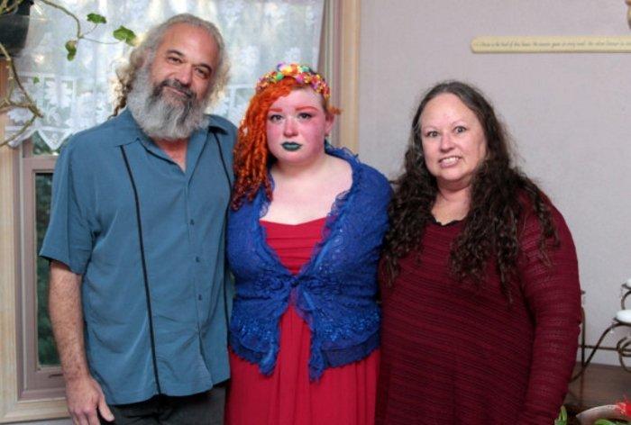Samara con i genitori
