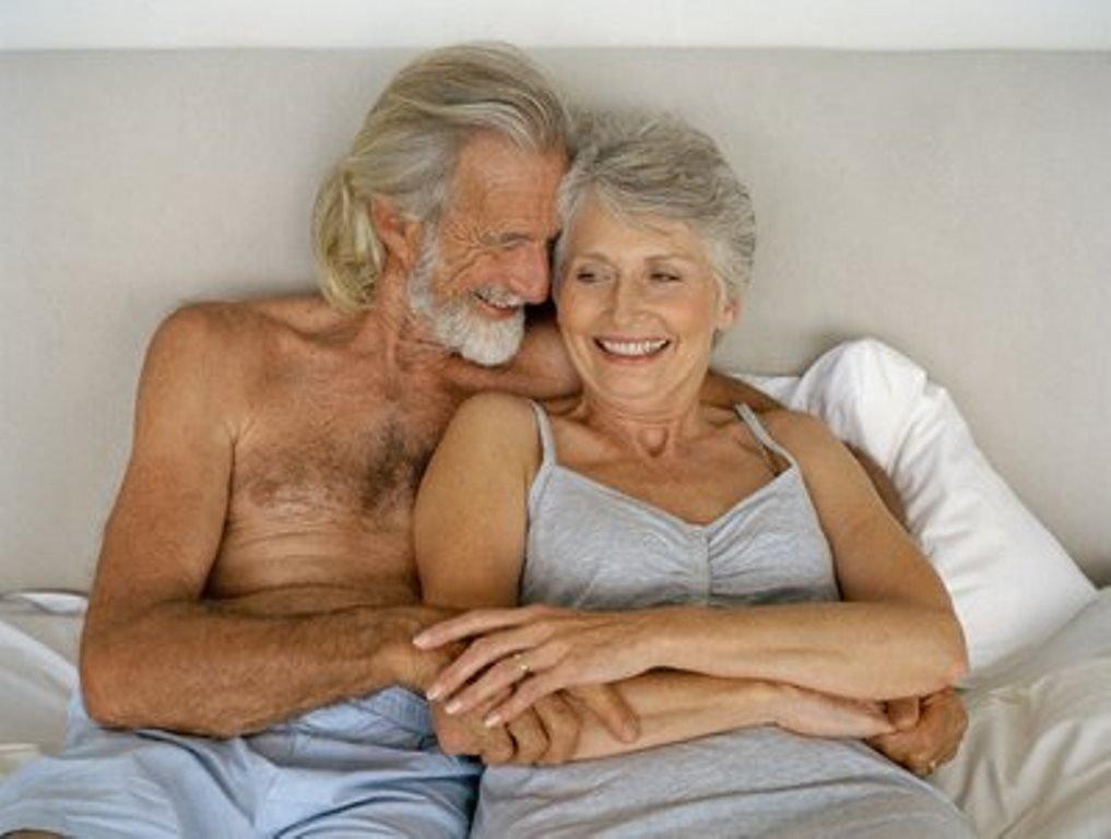 Fare spesso l'amore dopo i 50 anni fa bene alla memoria