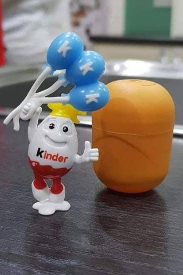 Uovo kinder con sorpresa 'razzista'? La scoperta di una mamma