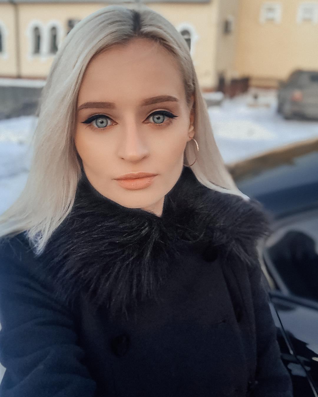 """Yulia vive come una Barbie: """"Ecco il mio uomo ideale"""""""