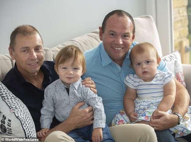coppia-gay-mette-al-mondo-due-figli-da-padri-diversi 1