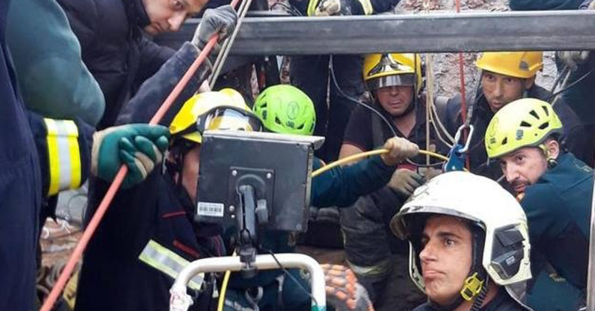 Ore contate per Julen, completato tunnel verticale: minatori in azione