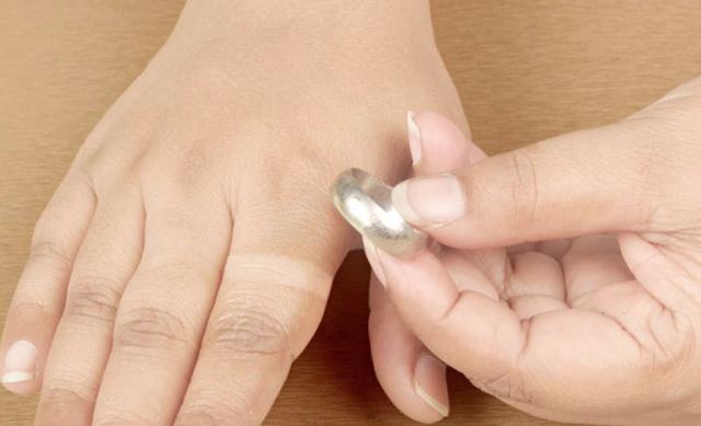 togliere-anello-bloccato