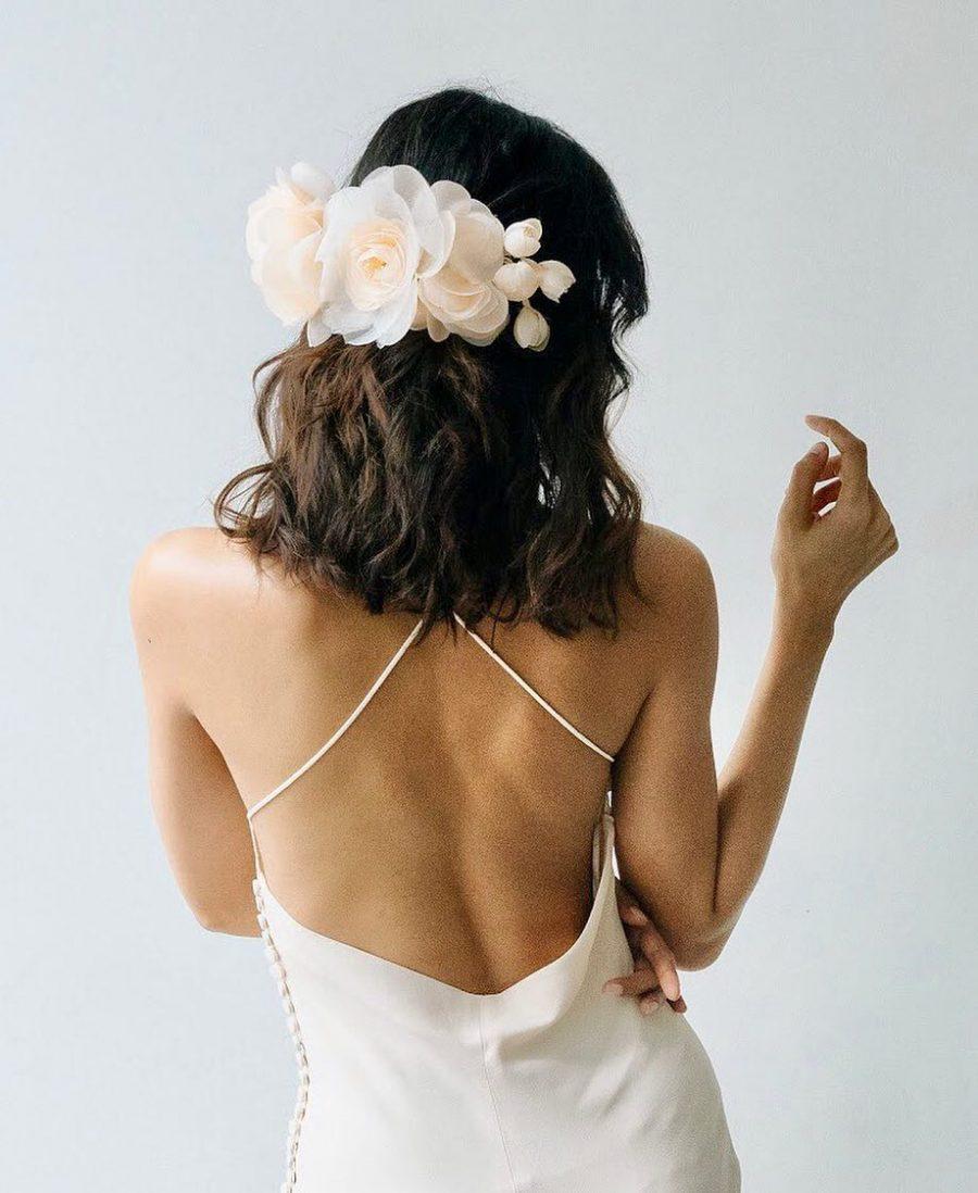 acconciatura-sposa-capelli-corti-fermaglio