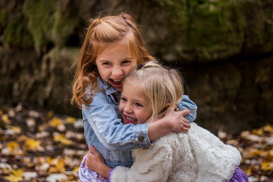 bambini-amicizia