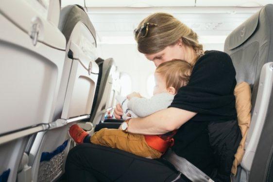 il-bambino-con-la-crisi-in-aereo 2