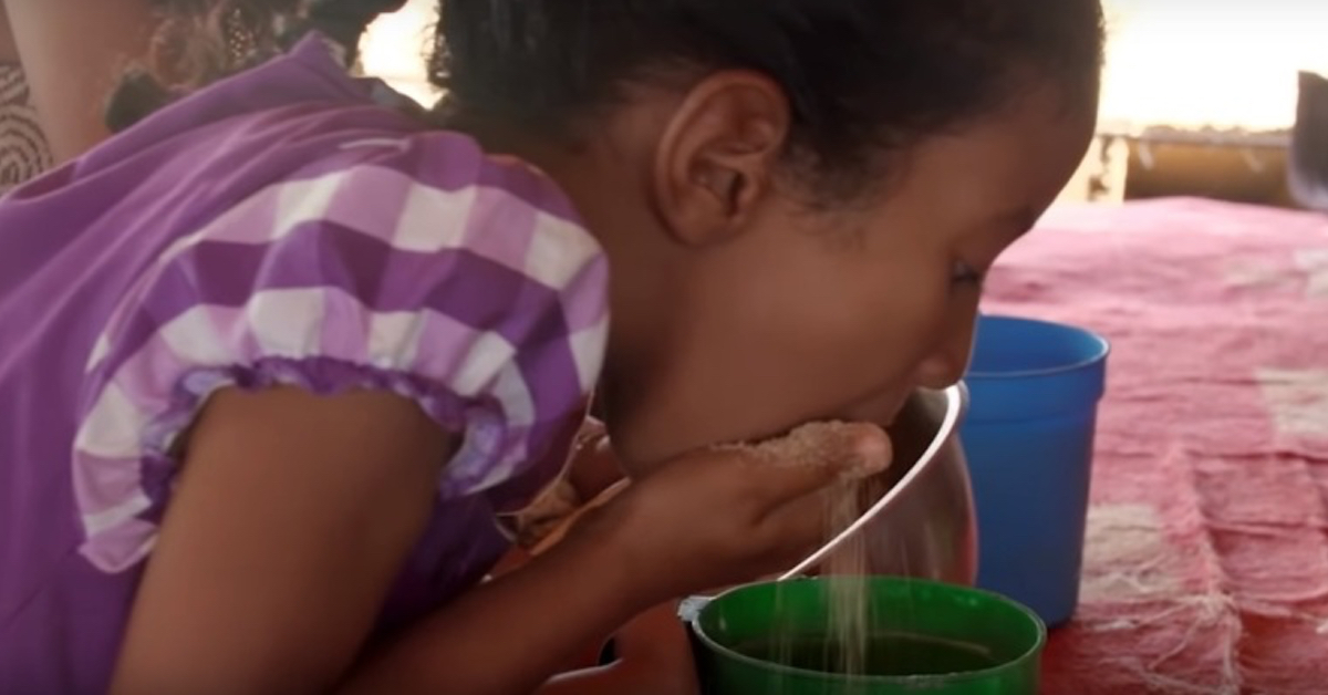 In un Paese dell'Africa le bambine devono consumare 9mila calorie al giorno per diventare grasse