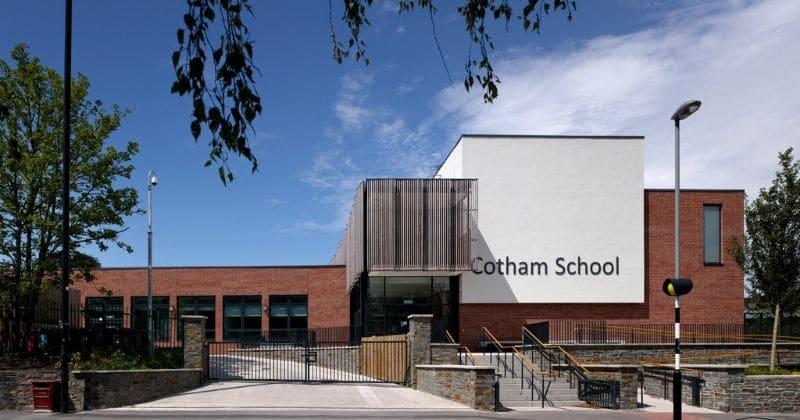 studentessa della Cotham School