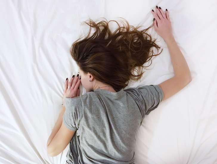 Sonnolenza: i rimedi naturali per non abbioccarsi