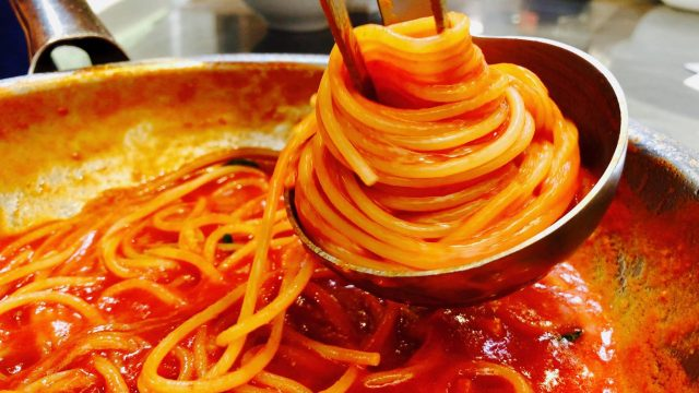 spaghetto-al-pomodoro-calorie