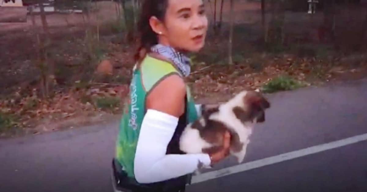 Khemira-salva-il-cucciolo-durante-la-maratona
