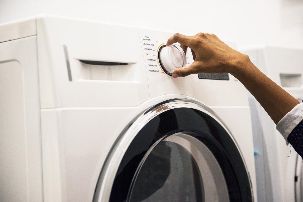 Come lavare la gomma della lavatrice con detergenti naturali