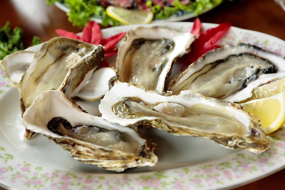 Come si mangiano le ostriche secondo il Galateo