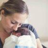 mamma-sconvolta-dopo-aver-lette-il-giudizio-delle-infermiere-su-di-lei-e-su-suo-marito