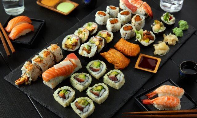 Sushi-piatto-tipico-della-tradizione-giapponese