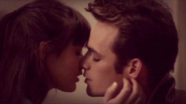 Luke Perry, Beverly Hills 90210 e il primo bacio tra Brenda