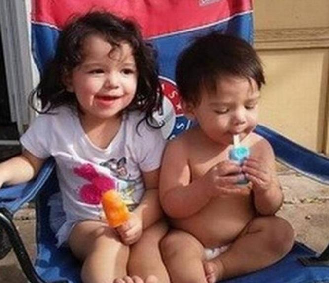 Juliet Ramirez di 2 anni e Cavanaugh Ramirez di 16 mesi