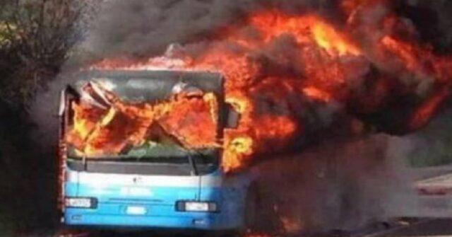 milano-bus-scolaresca-in-fiamme