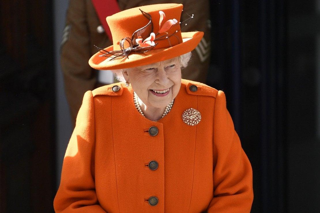 La Regina Elisabetta II sta male |  annullato un tè