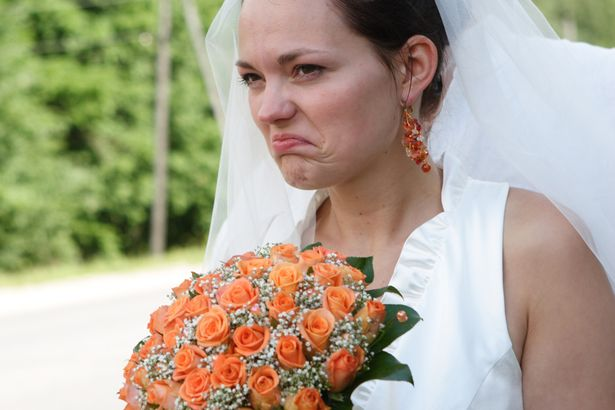una-sposa-arrabbiata-per-colpa-della-damigella 2