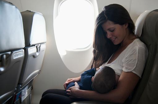 l'esperienza-di-Ariana-per-aver-allattato-suo-figlio-in-pubblico 2