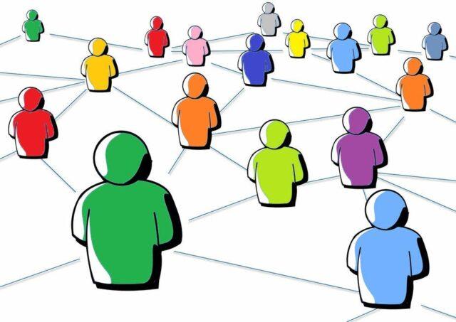 Ognuno-di-noi-sceglie-accuratamente-la-propria-immagine-del-profilo