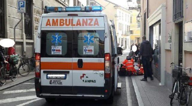 ambulanza-malore-strada