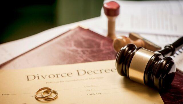 marito-vuole-chiedere-divorzio-alla-moglie 3