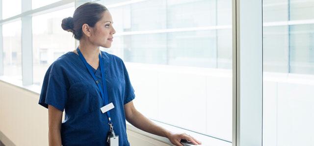 Parrucchiera-pubblica-un-post-per-rendere-omaggio-al-lavoro-degli-infermieri 2