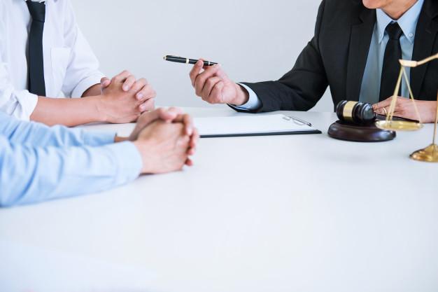 marito-vuole-chiedere-divorzio-alla-moglie 1