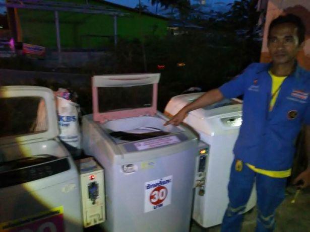 bambino-abbandonato-dentro-la-lavatrice 2