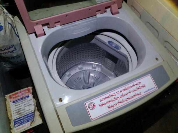bambino-abbandonato-dentro-la-lavatrice 3