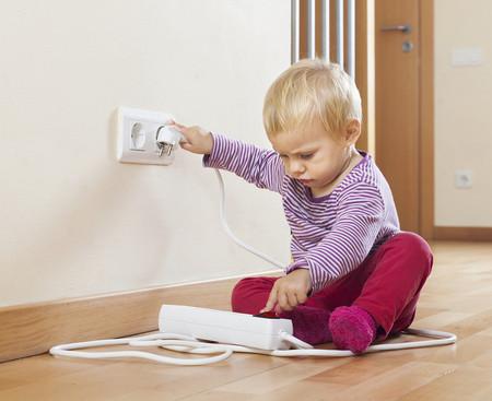 Bambina-di-due-anni-perde-la-vita-con-un-carica-batterie 3