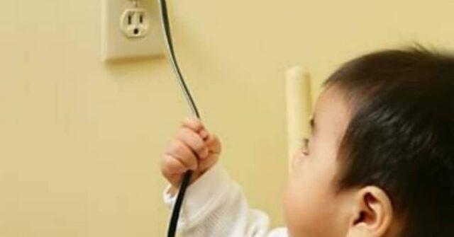 Bambina-di-due-anni-mette-in-bocca-il-caricatore-dl-telefono-e-perde-la-vita-con-una-scossa