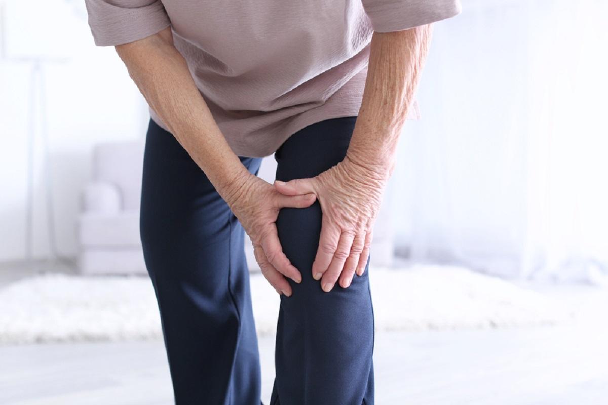 donna dolore ginocchio